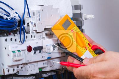 Постер Промышленность Постер 67848960, 30x20 см, на бумагеПроизводство электронных компонентов и кабеля<br>Постер на холсте или бумаге. Любого нужного вам размера. В раме или без. Подвес в комплекте. Трехслойная надежная упаковка. Доставим в любую точку России. Вам осталось только повесить картину на стену!<br>