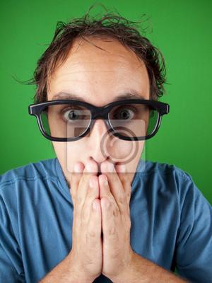 Постер Тридцати летний мужчина с 3d-очки в шоке смотреть фильмЭмоции<br>Постер на холсте или бумаге. Любого нужного вам размера. В раме или без. Подвес в комплекте. Трехслойная надежная упаковка. Доставим в любую точку России. Вам осталось только повесить картину на стену!<br>