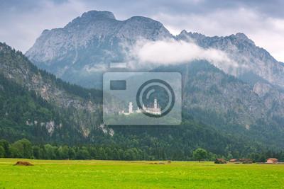 Замок в баварских Альпах, Германия, 30x20 см, на бумагеЗамок Нойшванштайн<br>Постер на холсте или бумаге. Любого нужного вам размера. В раме или без. Подвес в комплекте. Трехслойная надежная упаковка. Доставим в любую точку России. Вам осталось только повесить картину на стену!<br>