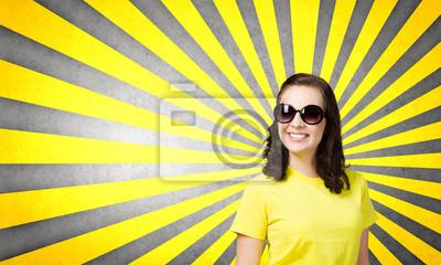 Постер Положительный подросток, 33x20 см, на бумагеЭмоции<br>Постер на холсте или бумаге. Любого нужного вам размера. В раме или без. Подвес в комплекте. Трехслойная надежная упаковка. Доставим в любую точку России. Вам осталось только повесить картину на стену!<br>