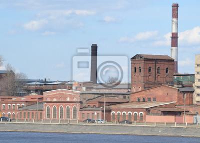 Старое здание фабрики, Санкт-Петербург., 28x20 см, на бумагеСтарые заводы и фабрики<br>Постер на холсте или бумаге. Любого нужного вам размера. В раме или без. Подвес в комплекте. Трехслойная надежная упаковка. Доставим в любую точку России. Вам осталось только повесить картину на стену!<br>