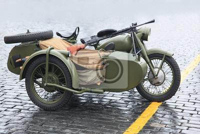 Постер Фото-постеры Старый военный мотоцикл, 30x20 см, на бумагеМотоциклы<br>Постер на холсте или бумаге. Любого нужного вам размера. В раме или без. Подвес в комплекте. Трехслойная надежная упаковка. Доставим в любую точку России. Вам осталось только повесить картину на стену!<br>