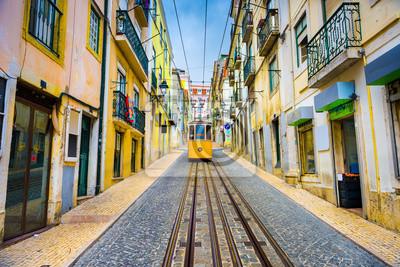 Постер-картина Фото-постеры Лиссабон, Португалия Старый город городской пейзаж и трамвай, 30x20 см, на бумагеТрамваи<br>Постер на холсте или бумаге. Любого нужного вам размера. В раме или без. Подвес в комплекте. Трехслойная надежная упаковка. Доставим в любую точку России. Вам осталось только повесить картину на стену!<br>