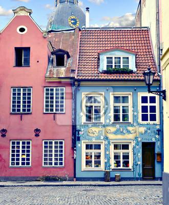 Постер Рига Средневековые здания старого города Риги, Латвия, ЕвропаРига<br>Постер на холсте или бумаге. Любого нужного вам размера. В раме или без. Подвес в комплекте. Трехслойная надежная упаковка. Доставим в любую точку России. Вам осталось только повесить картину на стену!<br>