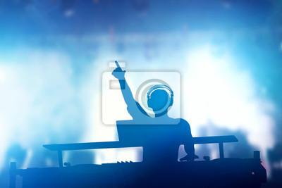 Постер Оформление офиса Клуб, дискотека DJ, играя и смешивая музыку для людей. Ночная жизнь, 30x20 см, на бумагеНочной клуб<br>Постер на холсте или бумаге. Любого нужного вам размера. В раме или без. Подвес в комплекте. Трехслойная надежная упаковка. Доставим в любую точку России. Вам осталось только повесить картину на стену!<br>