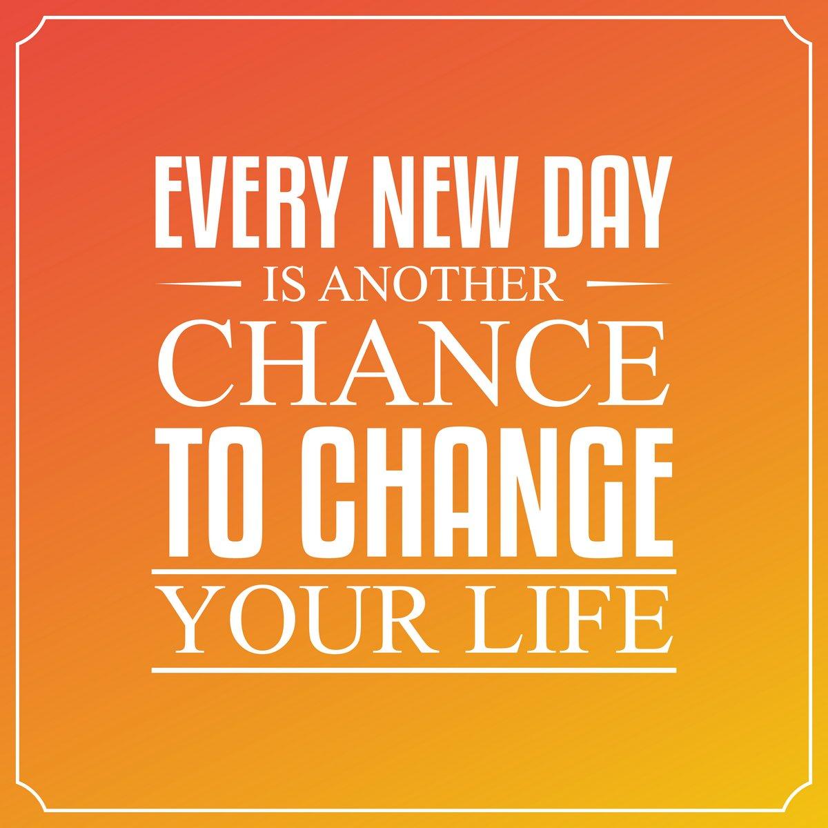 Постер-картина Мотивационный плакат Каждый новый день это еще один шанс изменить свою жизнь. Цитат Тип.Мотивационный плакат<br>Постер на холсте или бумаге. Любого нужного вам размера. В раме или без. Подвес в комплекте. Трехслойная надежная упаковка. Доставим в любую точку России. Вам осталось только повесить картину на стену!<br>