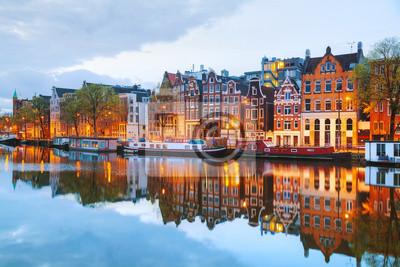 Ночной город вид Амстердам, Нидерланды, 30x20 см, на бумагеАмстердам<br>Постер на холсте или бумаге. Любого нужного вам размера. В раме или без. Подвес в комплекте. Трехслойная надежная упаковка. Доставим в любую точку России. Вам осталось только повесить картину на стену!<br>