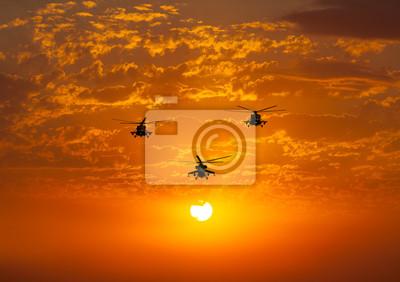 Постер-картина Вертолеты Группа боевых вертолетов Ми-24, Ми-8, теплый закатВертолеты<br>Постер на холсте или бумаге. Любого нужного вам размера. В раме или без. Подвес в комплекте. Трехслойная надежная упаковка. Доставим в любую точку России. Вам осталось только повесить картину на стену!<br>