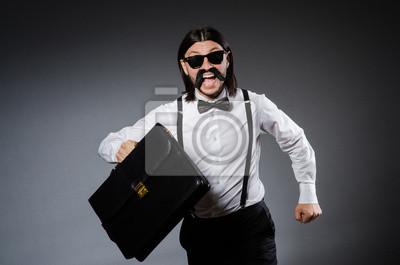 Постер Позитивный мужчина в классической одежде, изолированные на серыйМужской стиль, сумки<br>Постер на холсте или бумаге. Любого нужного вам размера. В раме или без. Подвес в комплекте. Трехслойная надежная упаковка. Доставим в любую точку России. Вам осталось только повесить картину на стену!<br>