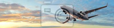 Постер Оформление офиса Современный пассажирский самолет в панорамой заката, 82x20 см, на бумагеТурфирма<br>Постер на холсте или бумаге. Любого нужного вам размера. В раме или без. Подвес в комплекте. Трехслойная надежная упаковка. Доставим в любую точку России. Вам осталось только повесить картину на стену!<br>