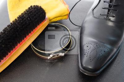 Постер Чистка обуви оборудованиеУход за обувью<br>Постер на холсте или бумаге. Любого нужного вам размера. В раме или без. Подвес в комплекте. Трехслойная надежная упаковка. Доставим в любую точку России. Вам осталось только повесить картину на стену!<br>