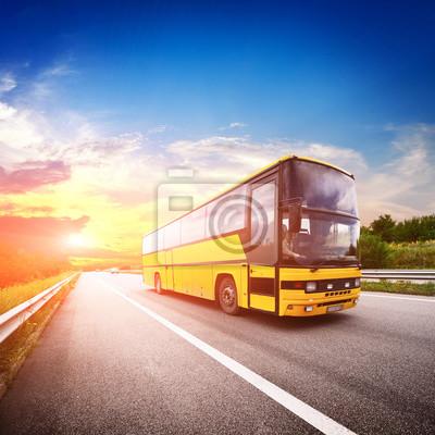 Вождение автобуса из города трафика в размытие в движении, 20x20 см, на бумагеАвтобусы, троллейбусы<br>Постер на холсте или бумаге. Любого нужного вам размера. В раме или без. Подвес в комплекте. Трехслойная надежная упаковка. Доставим в любую точку России. Вам осталось только повесить картину на стену!<br>