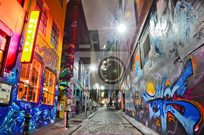 Постер-картина Стрит-арт Посмотреть красочные граффити искусства за трикотажными изделиями Lane в МельбурнеСтрит-арт<br>Постер на холсте или бумаге. Любого нужного вам размера. В раме или без. Подвес в комплекте. Трехслойная надежная упаковка. Доставим в любую точку России. Вам осталось только повесить картину на стену!<br>