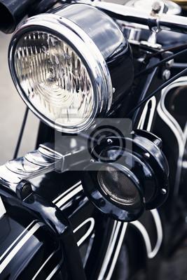 Постер-картина Мотороллеры Закрыть деталь старого немецкого мотоциклаМотороллеры<br>Постер на холсте или бумаге. Любого нужного вам размера. В раме или без. Подвес в комплекте. Трехслойная надежная упаковка. Доставим в любую точку России. Вам осталось только повесить картину на стену!<br>