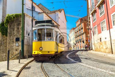 Постер-картина Фото-постеры Лиссабонский трамвай, 30x20 см, на бумагеТрамваи<br>Постер на холсте или бумаге. Любого нужного вам размера. В раме или без. Подвес в комплекте. Трехслойная надежная упаковка. Доставим в любую точку России. Вам осталось только повесить картину на стену!<br>