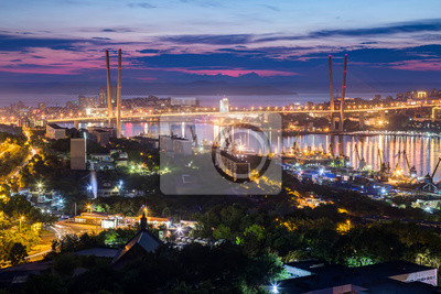 Постер Владивосток Панорама Владивосток, Россия на закатеВладивосток<br>Постер на холсте или бумаге. Любого нужного вам размера. В раме или без. Подвес в комплекте. Трехслойная надежная упаковка. Доставим в любую точку России. Вам осталось только повесить картину на стену!<br>