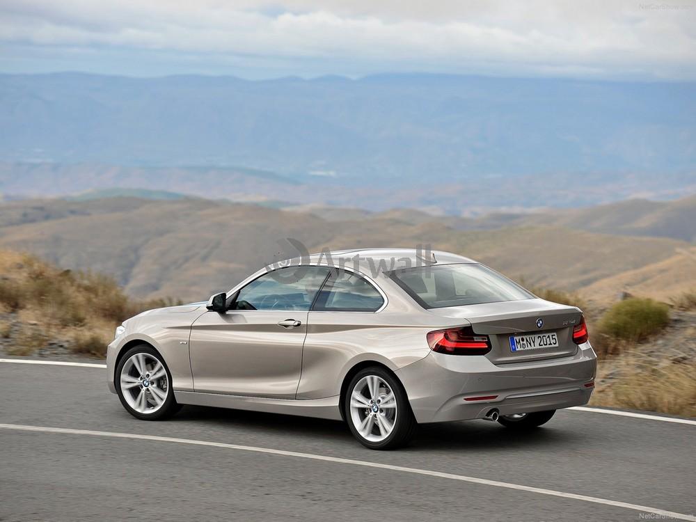 Постер BMW 2 Series, 27x20 см, на бумаге2 Series<br>Постер на холсте или бумаге. Любого нужного вам размера. В раме или без. Подвес в комплекте. Трехслойная надежная упаковка. Доставим в любую точку России. Вам осталось только повесить картину на стену!<br>