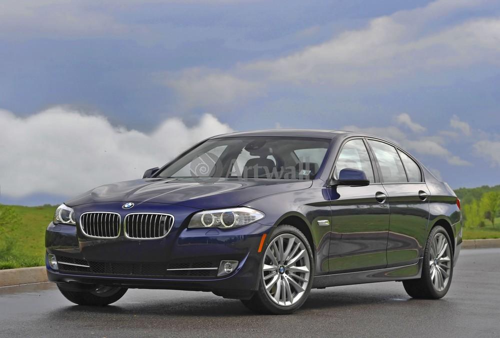 Постер BMW 5 Series Limousine, 30x20 см, на бумаге5 Series Limousine<br>Постер на холсте или бумаге. Любого нужного вам размера. В раме или без. Подвес в комплекте. Трехслойная надежная упаковка. Доставим в любую точку России. Вам осталось только повесить картину на стену!<br>