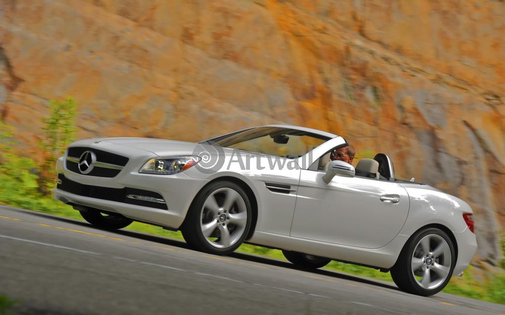Постер Mercedes-Benz SLK, 32x20 см, на бумагеSLK<br>Постер на холсте или бумаге. Любого нужного вам размера. В раме или без. Подвес в комплекте. Трехслойная надежная упаковка. Доставим в любую точку России. Вам осталось только повесить картину на стену!<br>