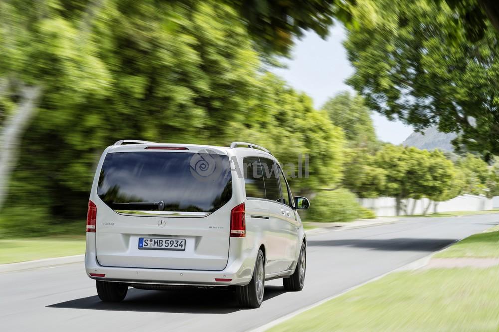 Постер Mercedes-Benz V, 30x20 см, на бумагеV<br>Постер на холсте или бумаге. Любого нужного вам размера. В раме или без. Подвес в комплекте. Трехслойная надежная упаковка. Доставим в любую точку России. Вам осталось только повесить картину на стену!<br>