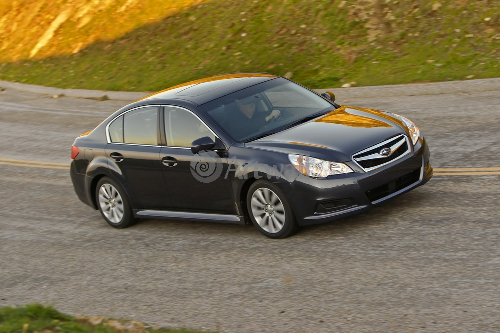 Постер Subaru Legacy, 30x20 см, на бумагеLegacy<br>Постер на холсте или бумаге. Любого нужного вам размера. В раме или без. Подвес в комплекте. Трехслойная надежная упаковка. Доставим в любую точку России. Вам осталось только повесить картину на стену!<br>