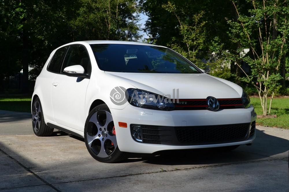 Volkswagen Golf GTI 3D, 30x20 см, на бумагеGolf GTI 3D<br>Постер на холсте или бумаге. Любого нужного вам размера. В раме или без. Подвес в комплекте. Трехслойная надежная упаковка. Доставим в любую точку России. Вам осталось только повесить картину на стену!<br>