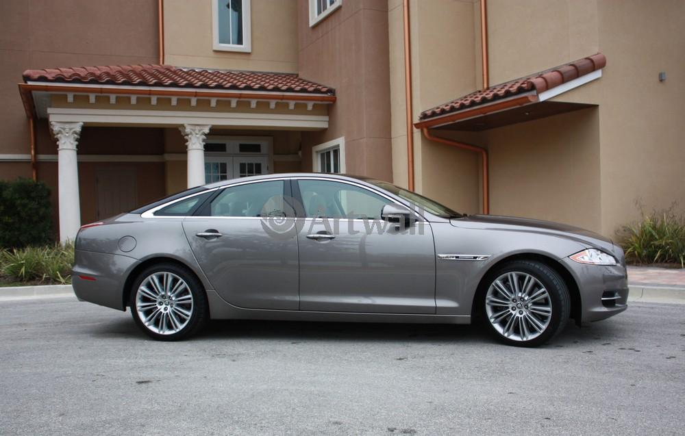 Постер Jaguar XJ, 31x20 см, на бумагеXJ<br>Постер на холсте или бумаге. Любого нужного вам размера. В раме или без. Подвес в комплекте. Трехслойная надежная упаковка. Доставим в любую точку России. Вам осталось только повесить картину на стену!<br>