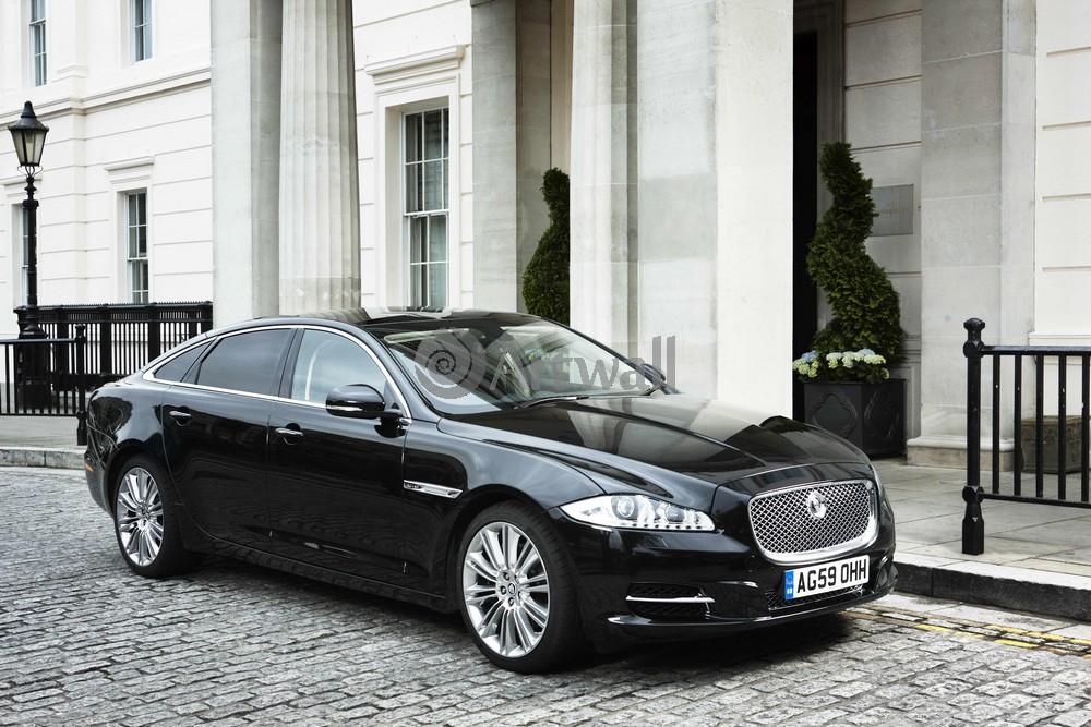 Jaguar XJ, 30x20 см, на бумагеXJ<br>Постер на холсте или бумаге. Любого нужного вам размера. В раме или без. Подвес в комплекте. Трехслойная надежная упаковка. Доставим в любую точку России. Вам осталось только повесить картину на стену!<br>