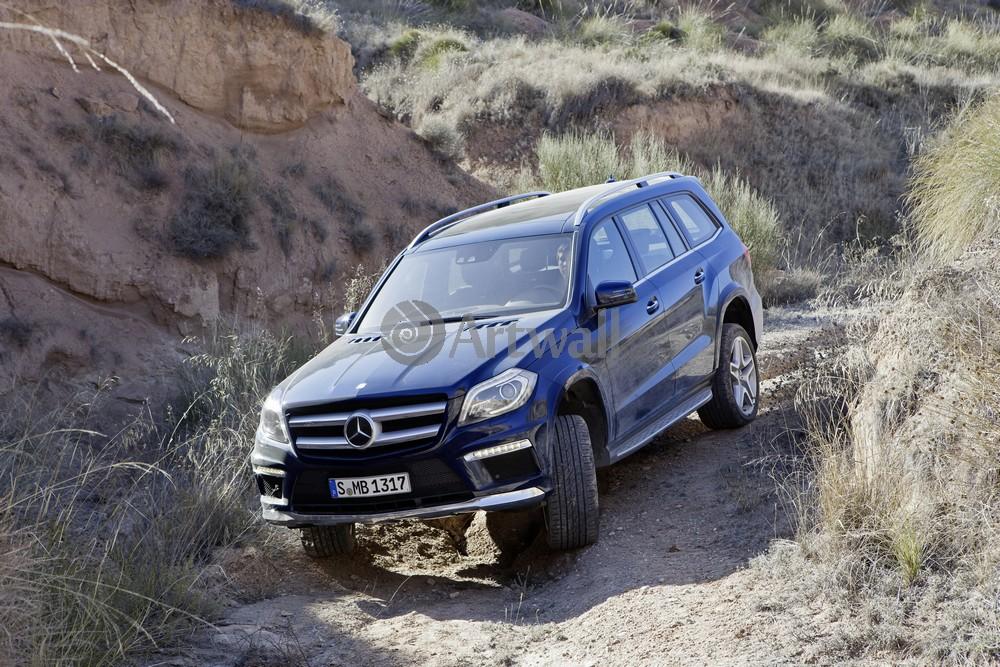 Постер Mercedes-Benz GL, 30x20 см, на бумагеGL<br>Постер на холсте или бумаге. Любого нужного вам размера. В раме или без. Подвес в комплекте. Трехслойная надежная упаковка. Доставим в любую точку России. Вам осталось только повесить картину на стену!<br>