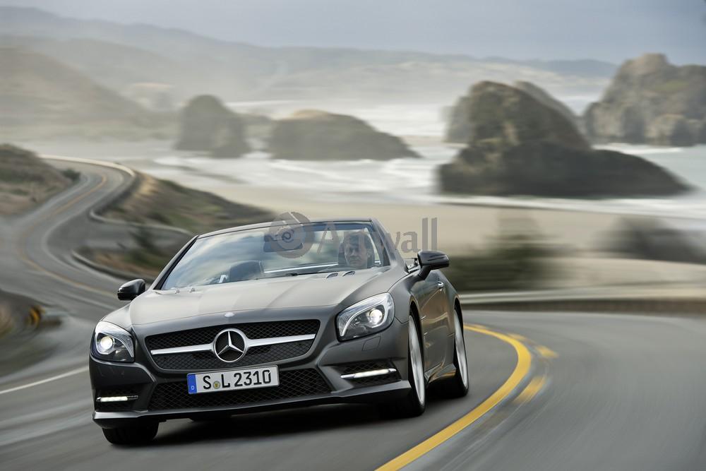 Постер Mercedes-Benz SL, 30x20 см, на бумагеSL<br>Постер на холсте или бумаге. Любого нужного вам размера. В раме или без. Подвес в комплекте. Трехслойная надежная упаковка. Доставим в любую точку России. Вам осталось только повесить картину на стену!<br>