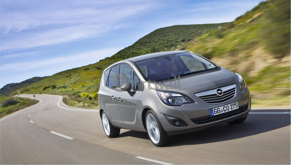 Постер Opel Meriva, 35x20 см, на бумагеMeriva<br>Постер на холсте или бумаге. Любого нужного вам размера. В раме или без. Подвес в комплекте. Трехслойная надежная упаковка. Доставим в любую точку России. Вам осталось только повесить картину на стену!<br>