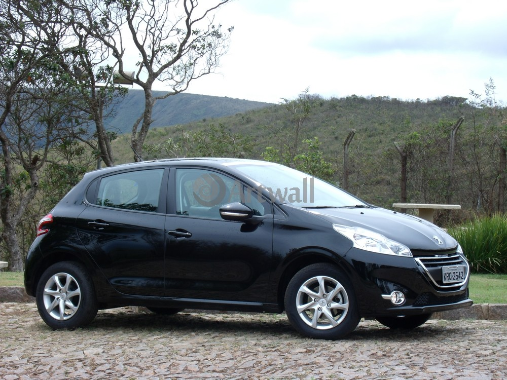 Постер Peugeot 208 5D, 27x20 см, на бумаге208 5D<br>Постер на холсте или бумаге. Любого нужного вам размера. В раме или без. Подвес в комплекте. Трехслойная надежная упаковка. Доставим в любую точку России. Вам осталось только повесить картину на стену!<br>