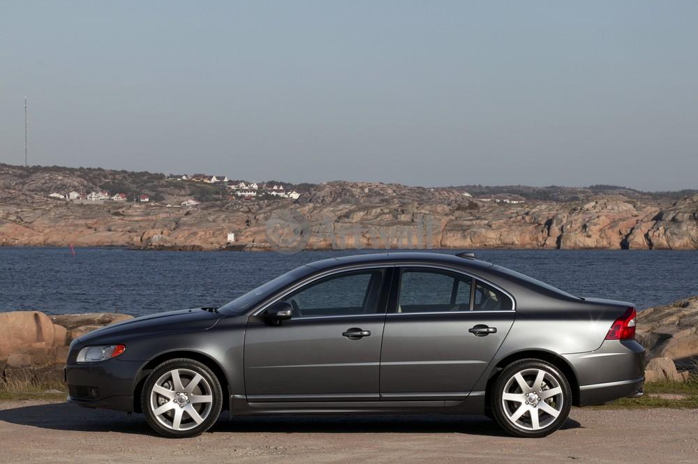 Постер Volvo S80, 30x20 см, на бумагеS80<br>Постер на холсте или бумаге. Любого нужного вам размера. В раме или без. Подвес в комплекте. Трехслойная надежная упаковка. Доставим в любую точку России. Вам осталось только повесить картину на стену!<br>