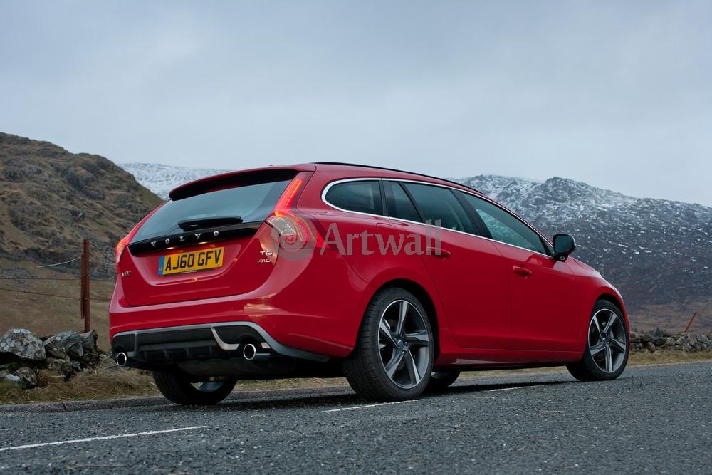 Постер Volvo V60, 30x20 см, на бумагеV60<br>Постер на холсте или бумаге. Любого нужного вам размера. В раме или без. Подвес в комплекте. Трехслойная надежная упаковка. Доставим в любую точку России. Вам осталось только повесить картину на стену!<br>