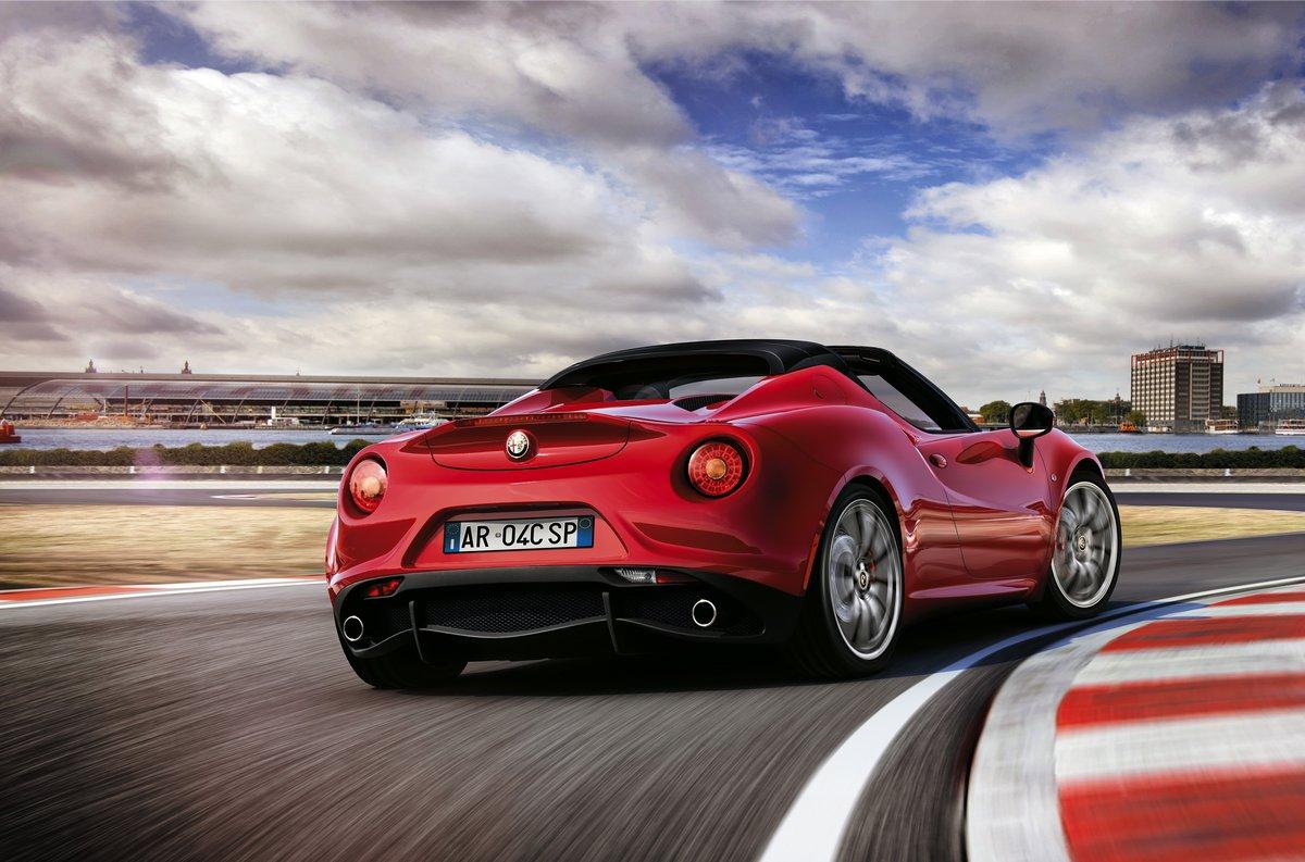 Постер Alfa Romeo 4C Spider (2014), 30x20 см, на бумаге4C Spider<br>Постер на холсте или бумаге. Любого нужного вам размера. В раме или без. Подвес в комплекте. Трехслойная надежная упаковка. Доставим в любую точку России. Вам осталось только повесить картину на стену!<br>