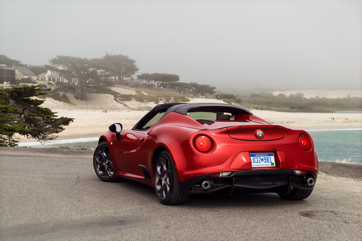 Alfa Romeo 4C Spider (2014), 30x20 см, на бумаге4C Spider<br>Постер на холсте или бумаге. Любого нужного вам размера. В раме или без. Подвес в комплекте. Трехслойная надежная упаковка. Доставим в любую точку России. Вам осталось только повесить картину на стену!<br>