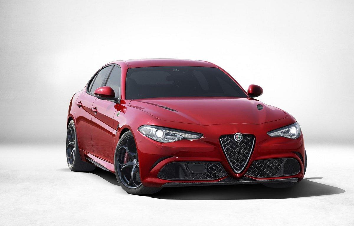 Постер Alfa Romeo Giulia (2015), 31x20 см, на бумагеGiulia<br>Постер на холсте или бумаге. Любого нужного вам размера. В раме или без. Подвес в комплекте. Трехслойная надежная упаковка. Доставим в любую точку России. Вам осталось только повесить картину на стену!<br>