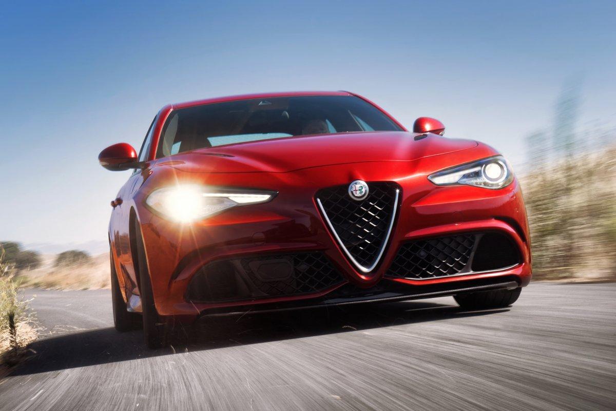 Постер Alfa Romeo Giulia (2015), 30x20 см, на бумагеGiulia<br>Постер на холсте или бумаге. Любого нужного вам размера. В раме или без. Подвес в комплекте. Трехслойная надежная упаковка. Доставим в любую точку России. Вам осталось только повесить картину на стену!<br>