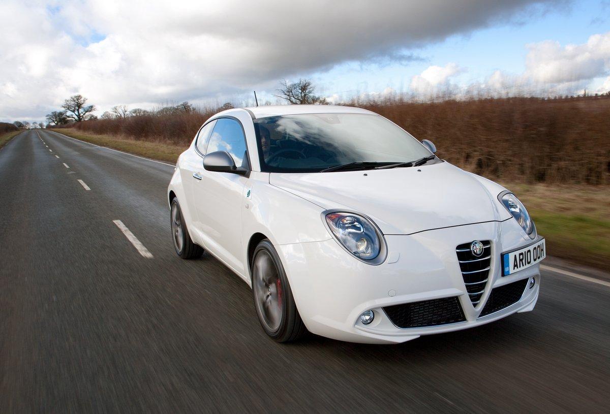 Постер Alfa Romeo Mito (2015), 29x20 см, на бумагеMito<br>Постер на холсте или бумаге. Любого нужного вам размера. В раме или без. Подвес в комплекте. Трехслойная надежная упаковка. Доставим в любую точку России. Вам осталось только повесить картину на стену!<br>