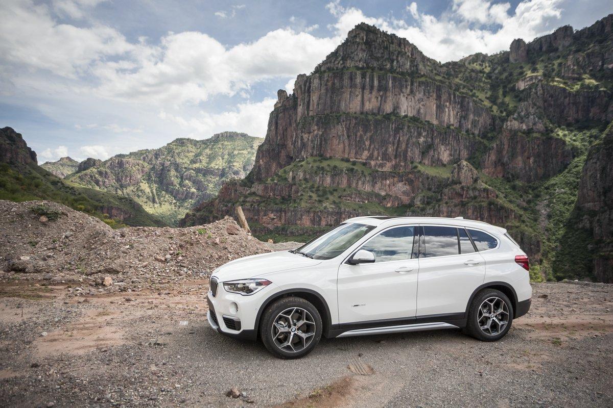 Постер BMW X1 II (2015), 30x20 см, на бумагеX1<br>Постер на холсте или бумаге. Любого нужного вам размера. В раме или без. Подвес в комплекте. Трехслойная надежная упаковка. Доставим в любую точку России. Вам осталось только повесить картину на стену!<br>