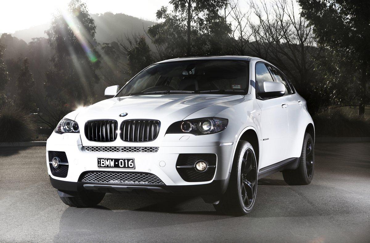Постер BMW X6 II (2014), 30x20 см, на бумагеX6<br>Постер на холсте или бумаге. Любого нужного вам размера. В раме или без. Подвес в комплекте. Трехслойная надежная упаковка. Доставим в любую точку России. Вам осталось только повесить картину на стену!<br>