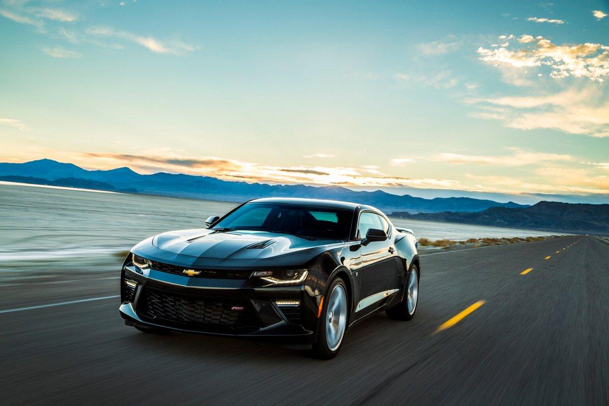 Постер Chevrolet Camaro VI (2015), 30x20 см, на бумагеCamaro<br>Постер на холсте или бумаге. Любого нужного вам размера. В раме или без. Подвес в комплекте. Трехслойная надежная упаковка. Доставим в любую точку России. Вам осталось только повесить картину на стену!<br>