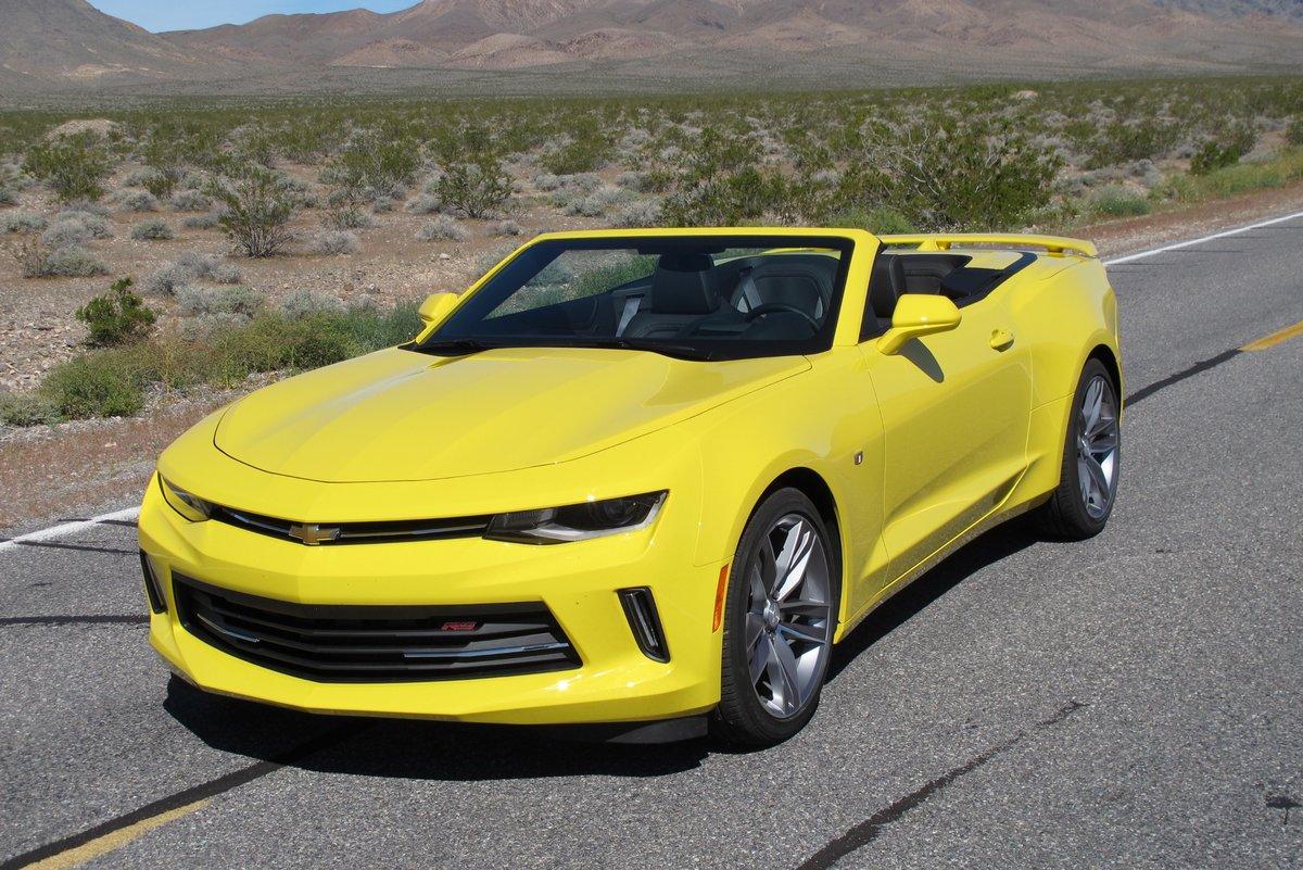 Постер Chevrolet Camaro кабрио VI (2015), 30x20 см, на бумагеCamaro<br>Постер на холсте или бумаге. Любого нужного вам размера. В раме или без. Подвес в комплекте. Трехслойная надежная упаковка. Доставим в любую точку России. Вам осталось только повесить картину на стену!<br>