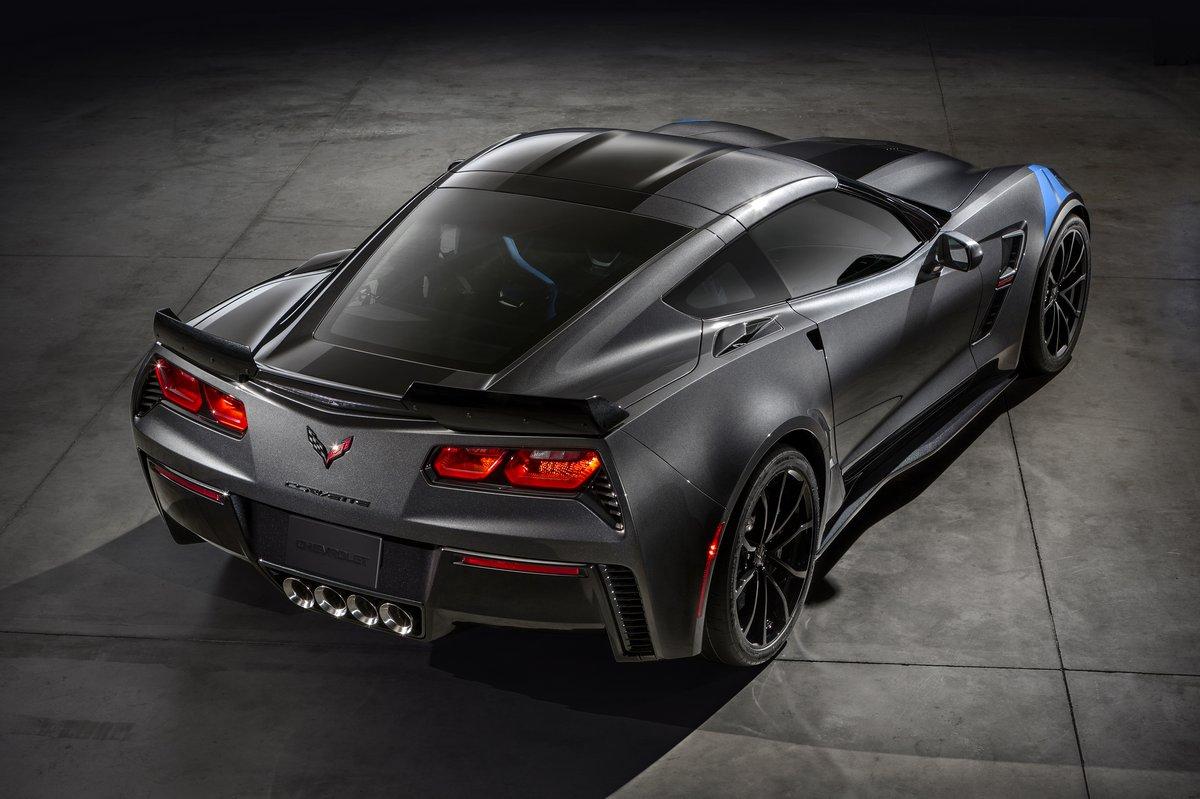 Постер Chevrolet Corvette купе VII (2016), 30x20 см, на бумагеCorvette Stingray<br>Постер на холсте или бумаге. Любого нужного вам размера. В раме или без. Подвес в комплекте. Трехслойная надежная упаковка. Доставим в любую точку России. Вам осталось только повесить картину на стену!<br>