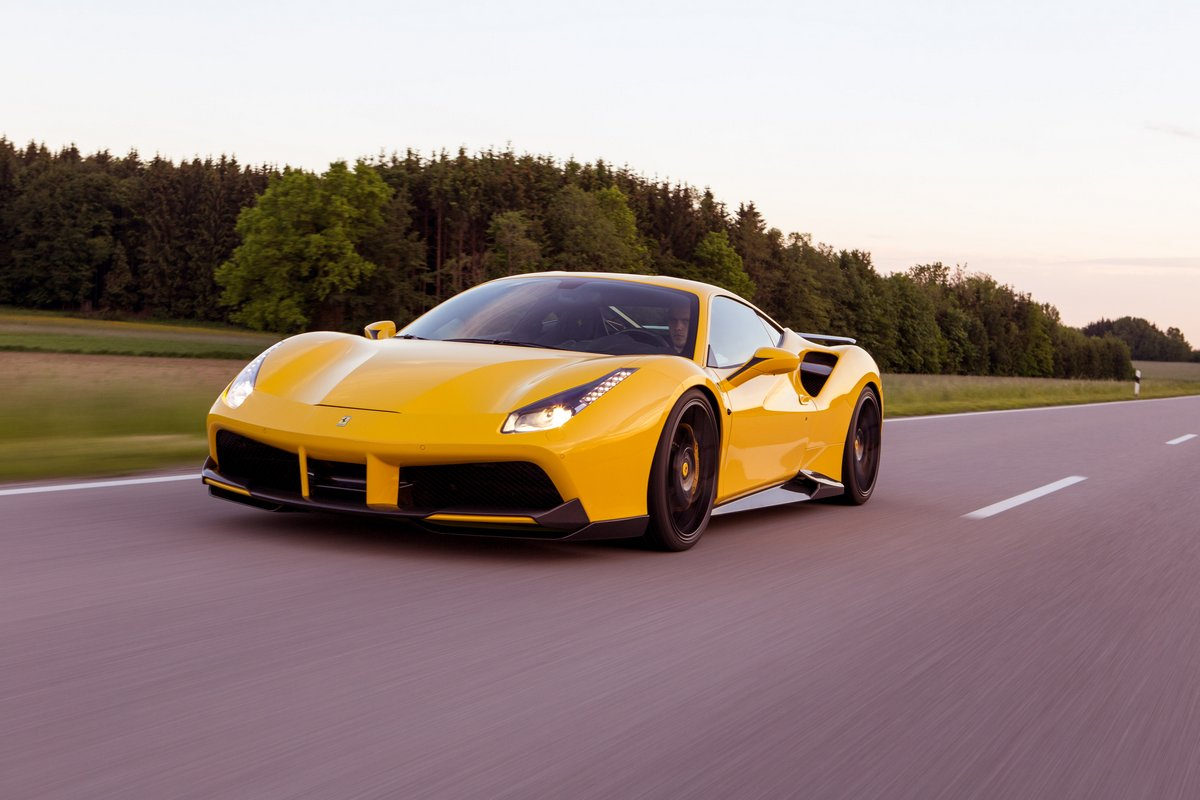 Постер Ferrari 488 GTB (2015), 30x20 см, на бумаге488 GTB<br>Постер на холсте или бумаге. Любого нужного вам размера. В раме или без. Подвес в комплекте. Трехслойная надежная упаковка. Доставим в любую точку России. Вам осталось только повесить картину на стену!<br>