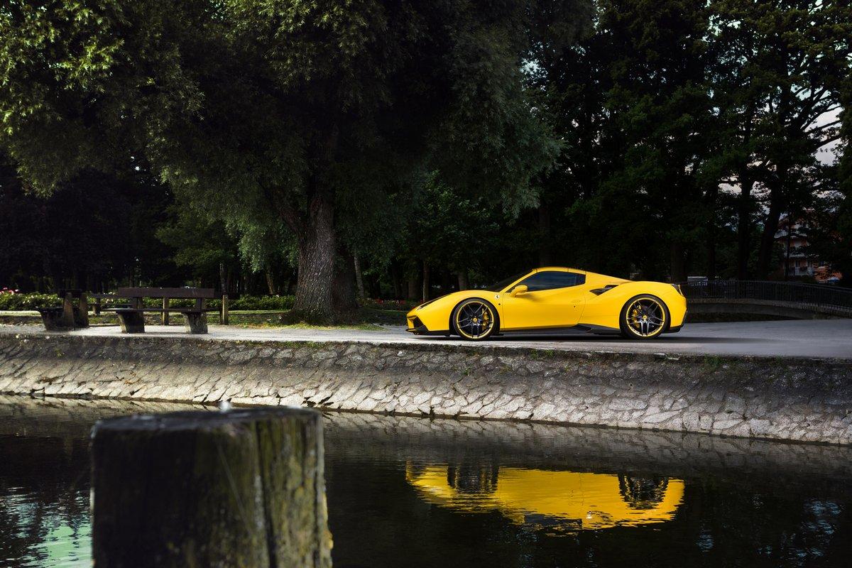 Постер Ferrari 488 Spider (2015), 30x20 см, на бумаге488 Spider<br>Постер на холсте или бумаге. Любого нужного вам размера. В раме или без. Подвес в комплекте. Трехслойная надежная упаковка. Доставим в любую точку России. Вам осталось только повесить картину на стену!<br>