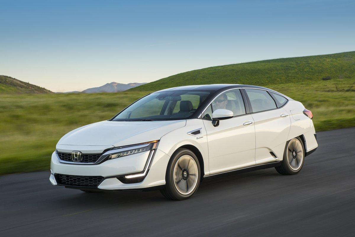 Honda Clarity Fuel Cell (2017), 30x20 см, на бумагеClarity Fuel Cell<br>Постер на холсте или бумаге. Любого нужного вам размера. В раме или без. Подвес в комплекте. Трехслойная надежная упаковка. Доставим в любую точку России. Вам осталось только повесить картину на стену!<br>