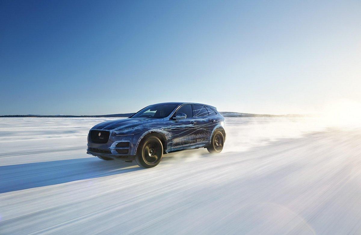 Jaguar F-Pace (2015), 31x20 см, на бумагеF-Pace<br>Постер на холсте или бумаге. Любого нужного вам размера. В раме или без. Подвес в комплекте. Трехслойная надежная упаковка. Доставим в любую точку России. Вам осталось только повесить картину на стену!<br>