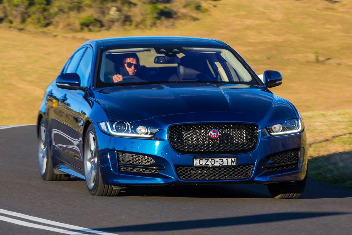 Постер Jaguar XE (2015), 30x20 см, на бумагеXE<br>Постер на холсте или бумаге. Любого нужного вам размера. В раме или без. Подвес в комплекте. Трехслойная надежная упаковка. Доставим в любую точку России. Вам осталось только повесить картину на стену!<br>