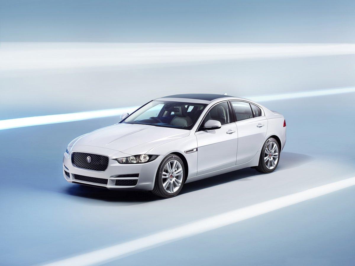 Постер Jaguar XE (2015), 27x20 см, на бумагеXE<br>Постер на холсте или бумаге. Любого нужного вам размера. В раме или без. Подвес в комплекте. Трехслойная надежная упаковка. Доставим в любую точку России. Вам осталось только повесить картину на стену!<br>